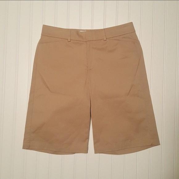 Dockers Pants - Women's Dockers Khaki Shorts Size 4 (P02-07)